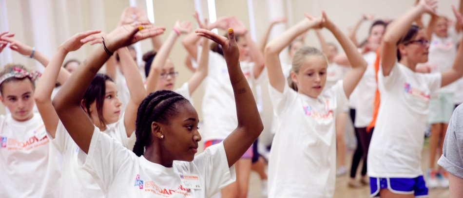 Choosing the Right Theater Camp for Your Child